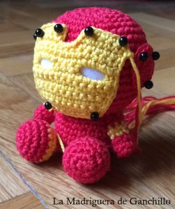 iron-man-amigurumi-colocacion